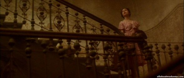 madonna-another-suitcase-in-another-hall-video-cap-0004