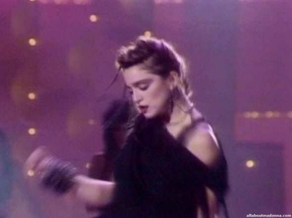madonna-holiday-video-cap-0004