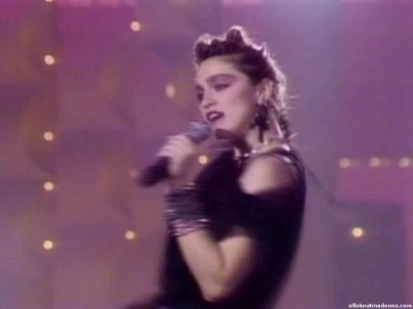madonna-holiday-video-cap-0007