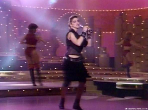 madonna-holiday-video-cap-0010