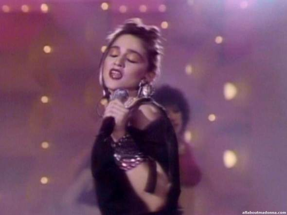 madonna-holiday-video-cap-0013