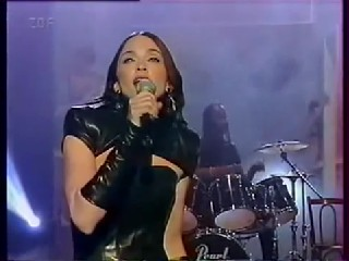 Madonna   The Power Of Goodbye Live + Interview Wetten Das Show 1998 HD.w