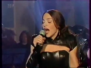 Madonna   The Power Of Goodbye Live + Interview Wetten Das Show 1998 HD.wmv24