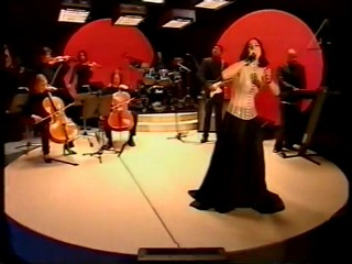 Madonna The Power Of Goodbye Sen Kväll Med Luuk Tv Show.wmv4