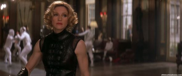 madonna-die-another-day-movie-cap-0004