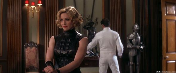 madonna-die-another-day-movie-cap-0018