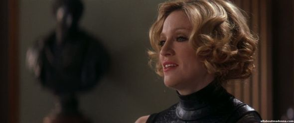 madonna-die-another-day-movie-cap-0024
