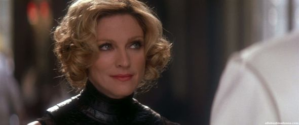 madonna-die-another-day-movie-cap-0030