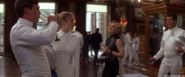 madonna-die-another-day-movie-cap-0033