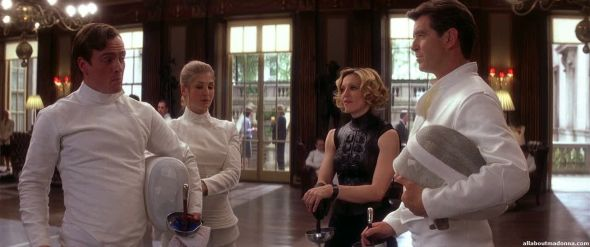 madonna-die-another-day-movie-cap-0035