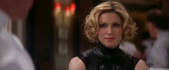 madonna-die-another-day-movie-cap-0037