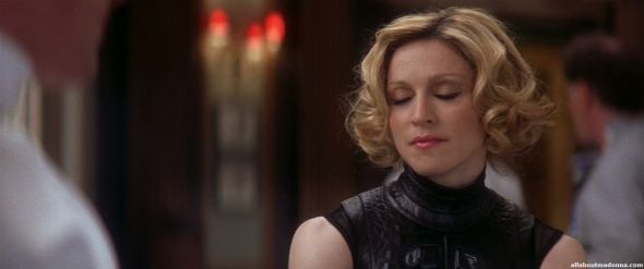 madonna-die-another-day-movie-cap-0038