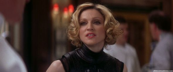 madonna-die-another-day-movie-cap-0039