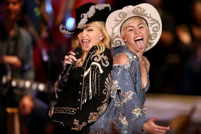 madonna y miley cyrus MTV unplugged 03
