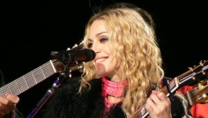 madonna sticky & sweet tour 2008 you must love me